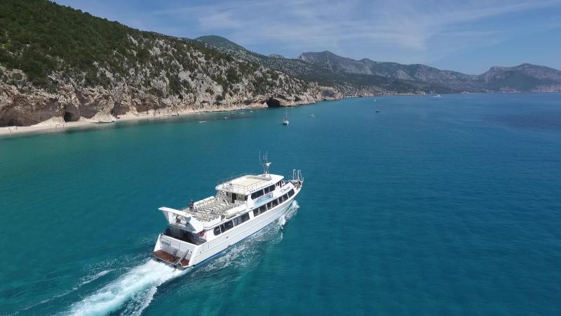 Davide motor vessel sailing